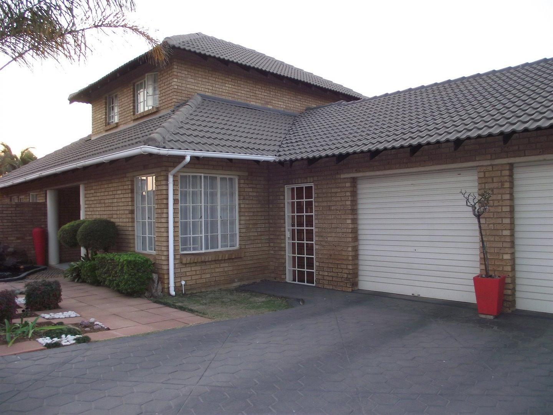 Centurion, Highveld Property    Houses For Sale Highveld, Highveld, House 4 bedrooms property for sale Price:2,140,000