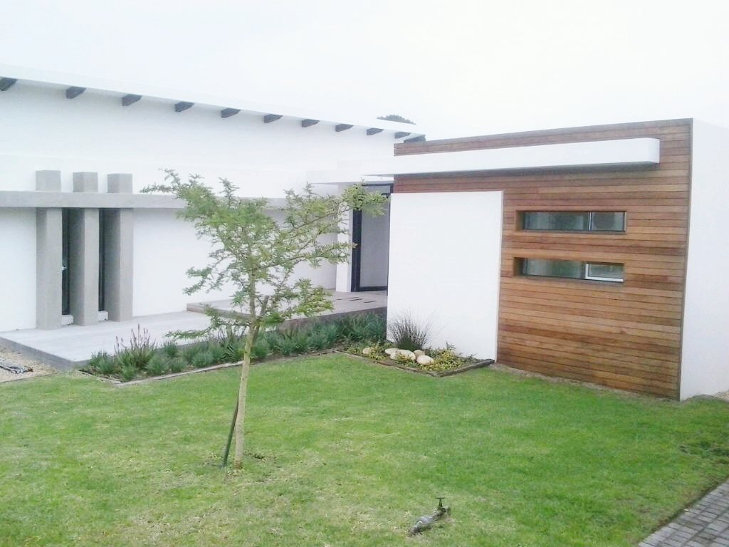 Walmer property for sale. Ref No: 13398800. Picture no 14