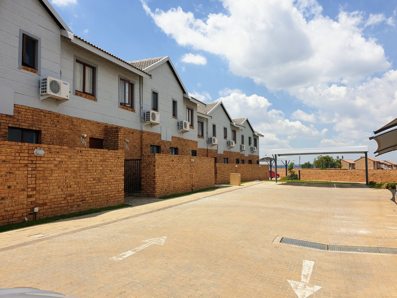 , Apartment, 2 Bedrooms - ZAR 954,000