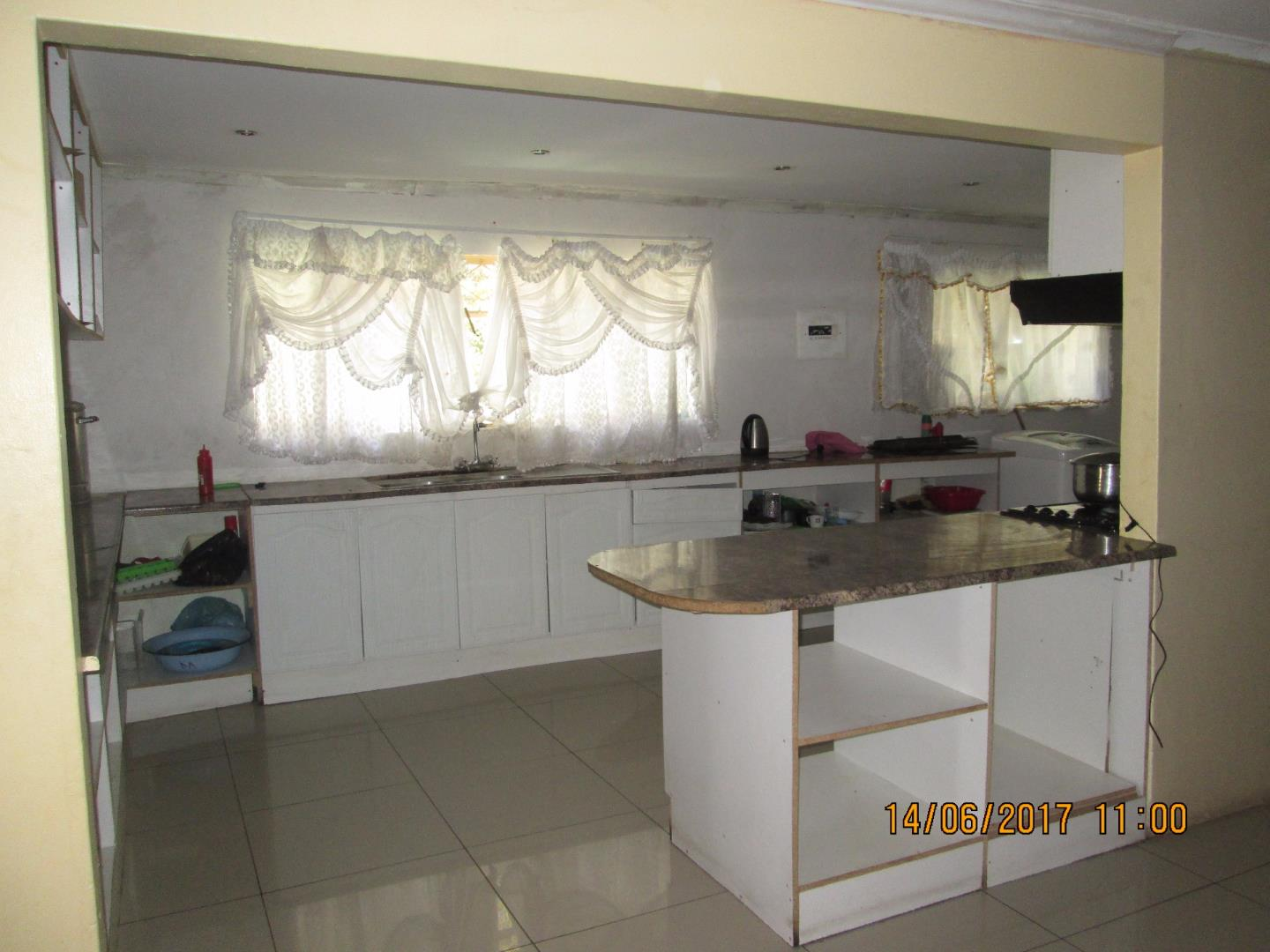Mondeor property for sale. Ref No: 13526240. Picture no 18
