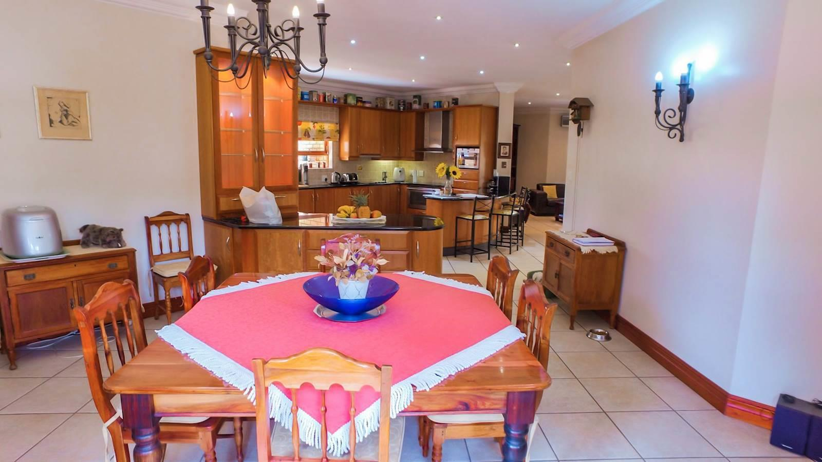 Centurion Golf Estate property for sale. Ref No: 13436542. Picture no 15