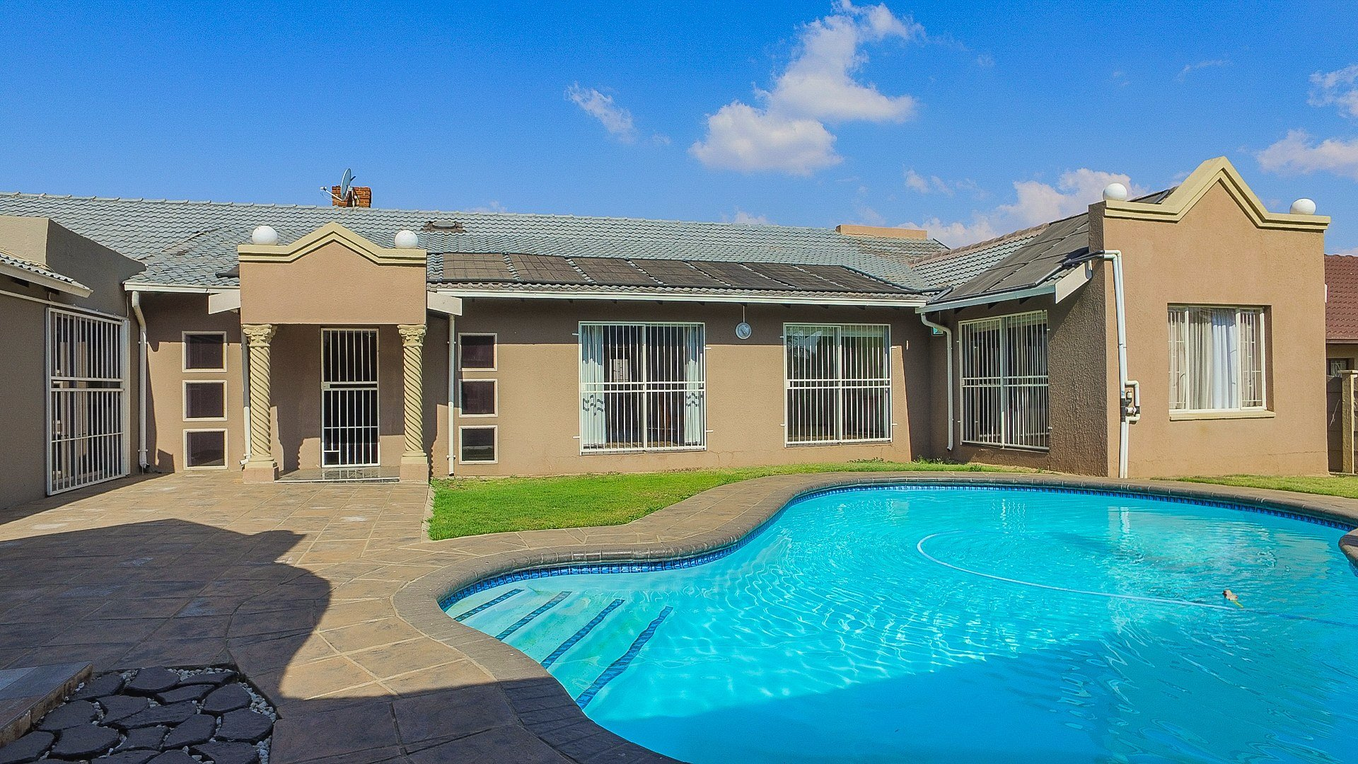 Alberton, Brackendowns Property  | Houses For Sale Brackendowns, Brackendowns, House 4 bedrooms property for sale Price:1,980,000