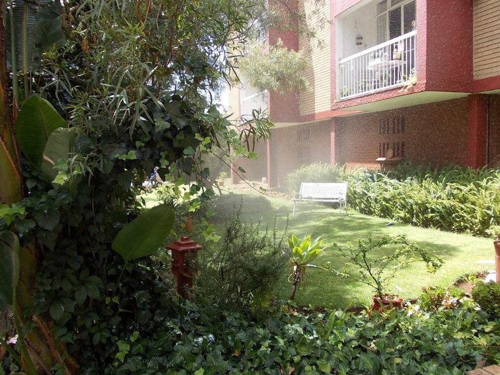Property and Houses to rent in Zwartkop, Apartment, 2 Bedrooms - ZAR ,  6,50*,M