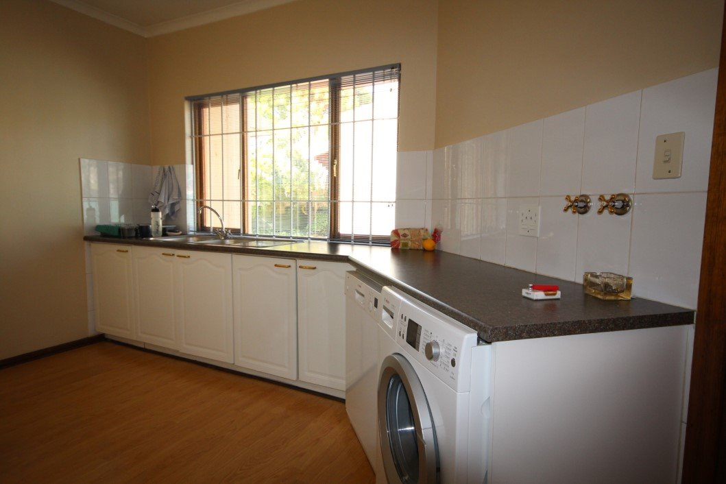 Three Rivers Proper property for sale. Ref No: 13338644. Picture no 5