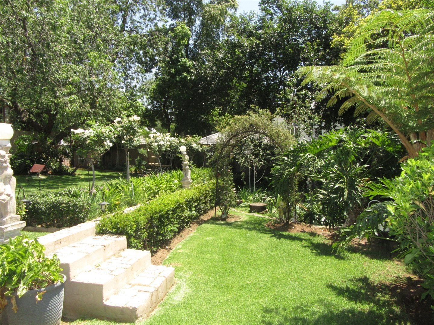 Bryanston property to rent. Ref No: 13553051. Picture no 28