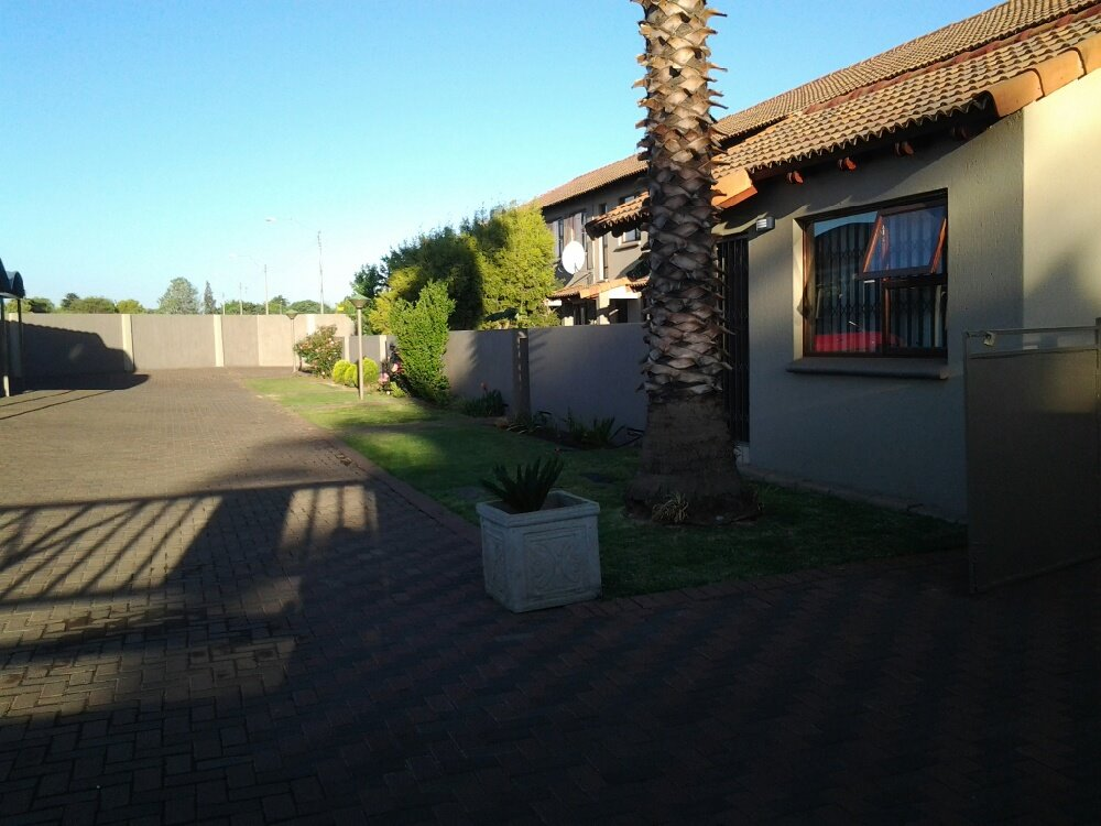 Three Rivers property for sale. Ref No: 13249893. Picture no 3