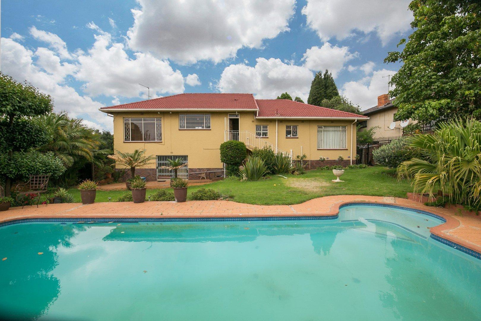 Johannesburg, Glenanda Property  | Houses For Sale Glenanda, Glenanda, House 4 bedrooms property for sale Price:1,699,000