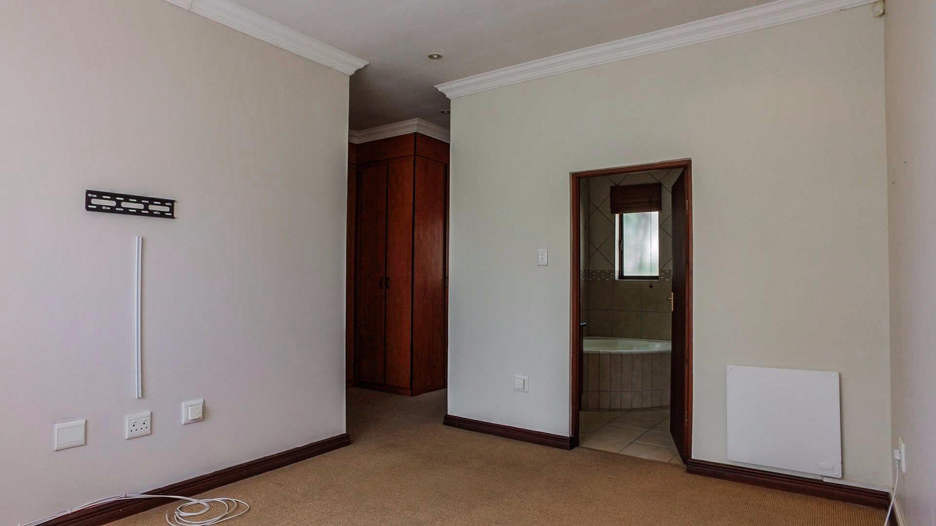 Irene View Estate property for sale. Ref No: 13519995. Picture no 5