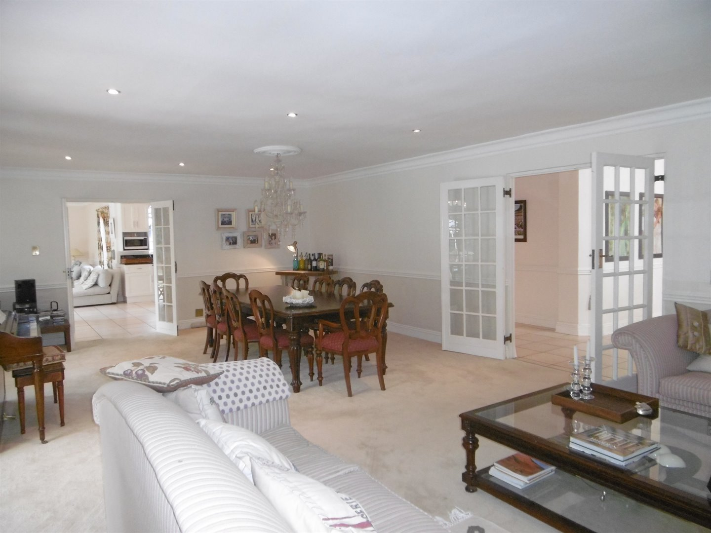 Bryanston & Ext property for sale. Ref No: 13482413. Picture no 14
