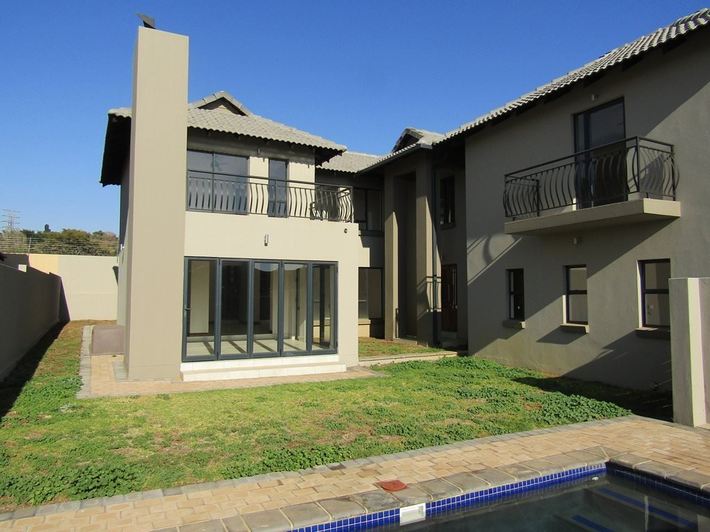 Property and Houses for sale in Wapadrand, House, 3 Bedrooms - ZAR 2,855,000