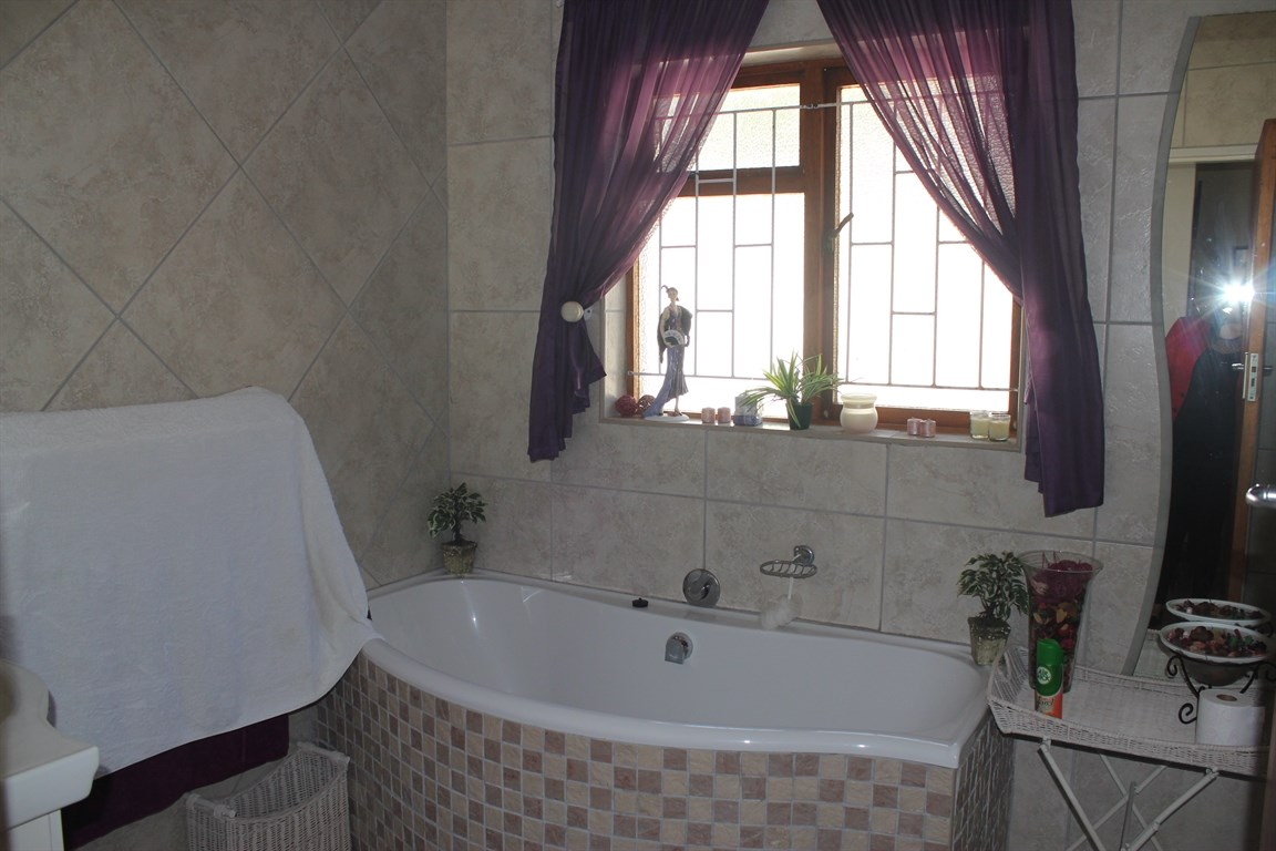 Vredenburg Central property for sale. Ref No: 12734759. Picture no 6