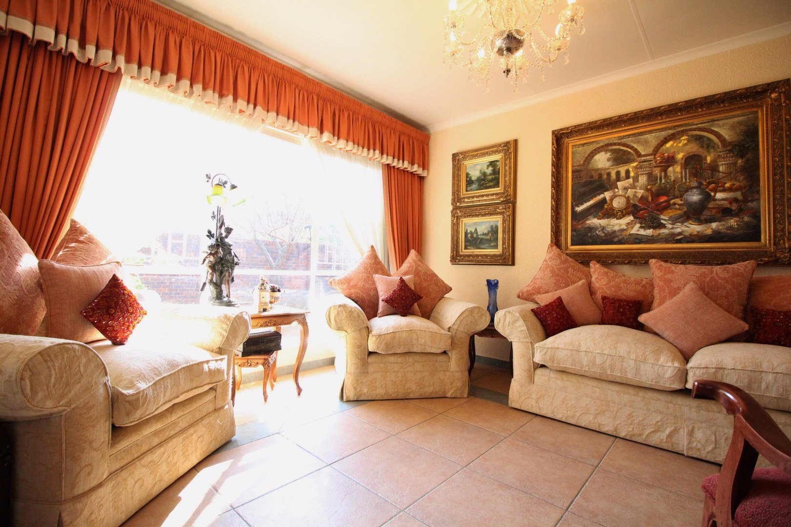 Mulbarton property for sale. Ref No: 13511727. Picture no 6