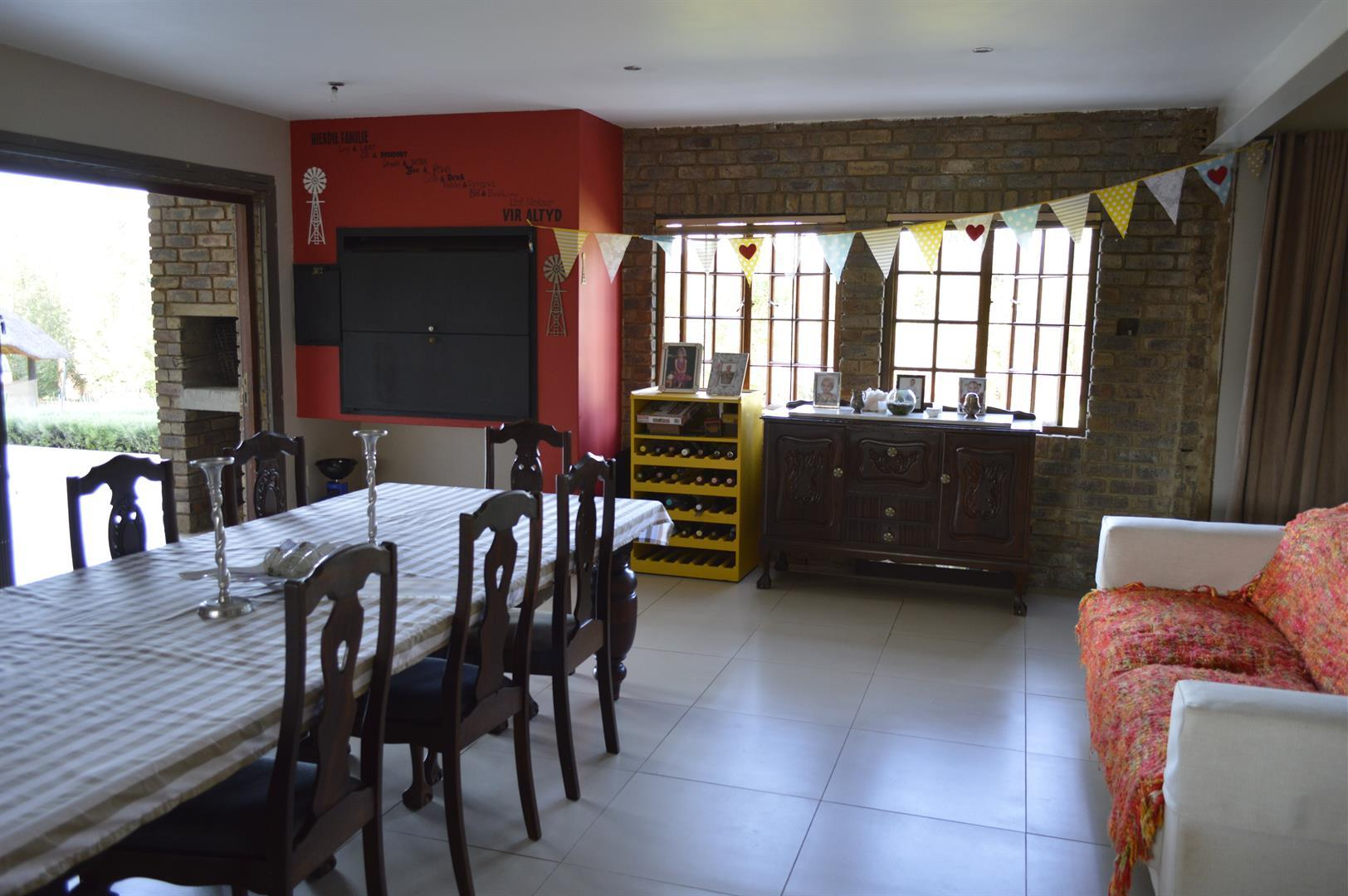 Raslouw A H property for sale. Ref No: 13442161. Picture no 8