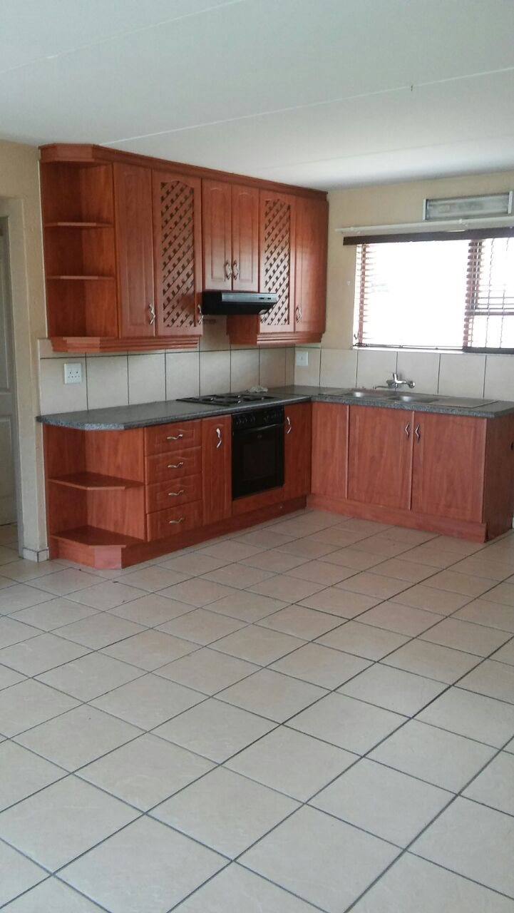 Three Rivers property to rent. Ref No: 13567450. Picture no 2