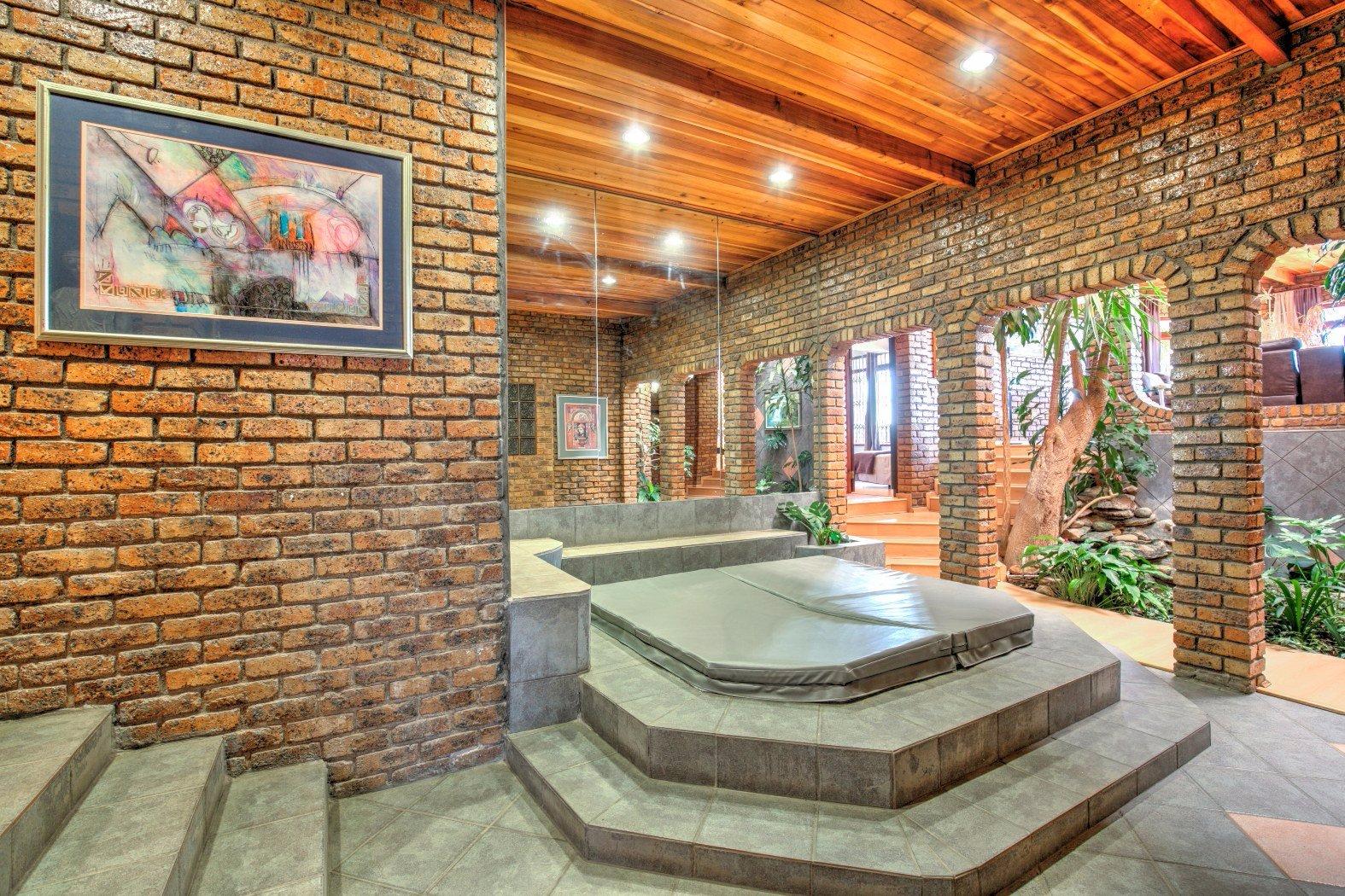 Bassonia property for sale. Ref No: 13506595. Picture no 4