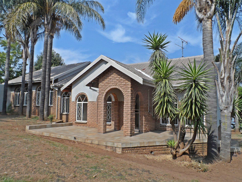 Krugersdorp, Rant En Dal Property  | Houses For Sale Rant En Dal, Rant En Dal, House 4 bedrooms property for sale Price:1,550,000