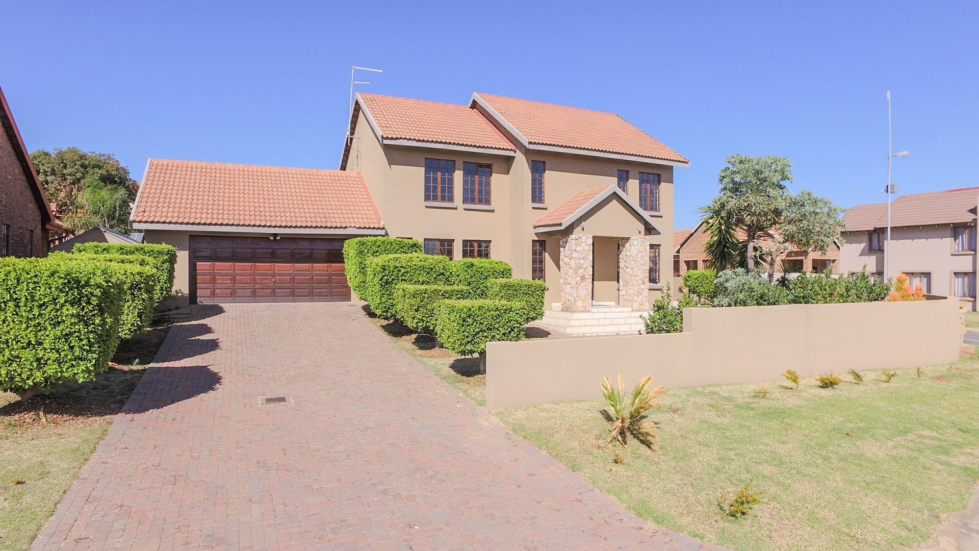 Property and Houses for sale in Brooklands Lifestyle Estate, House, 4 Bedrooms - ZAR 2,299,000