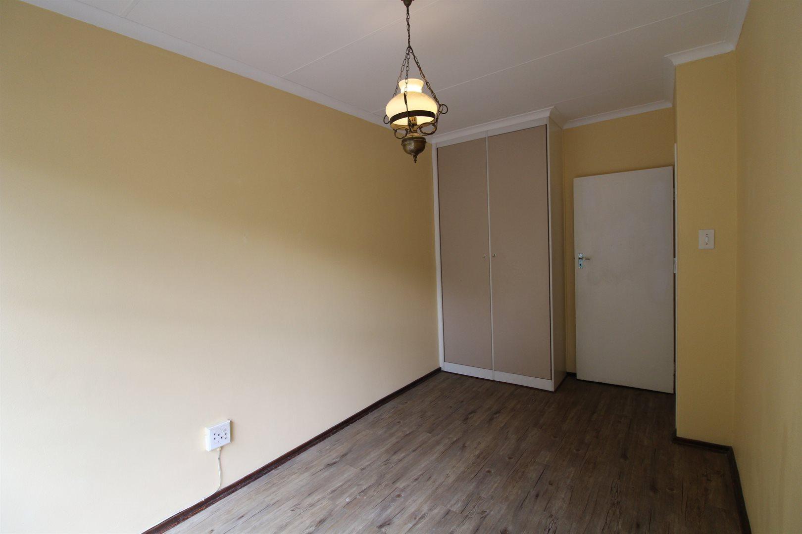 Bryanston property for sale. Ref No: 13552406. Picture no 19