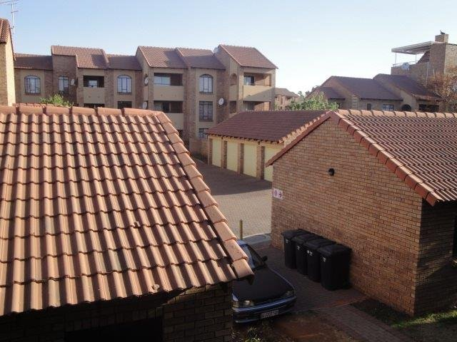 Centurion, Eco Park Estate Property    Houses For Sale Eco Park Estate, Eco Park Estate, Townhouse 2 bedrooms property for sale Price:729,000