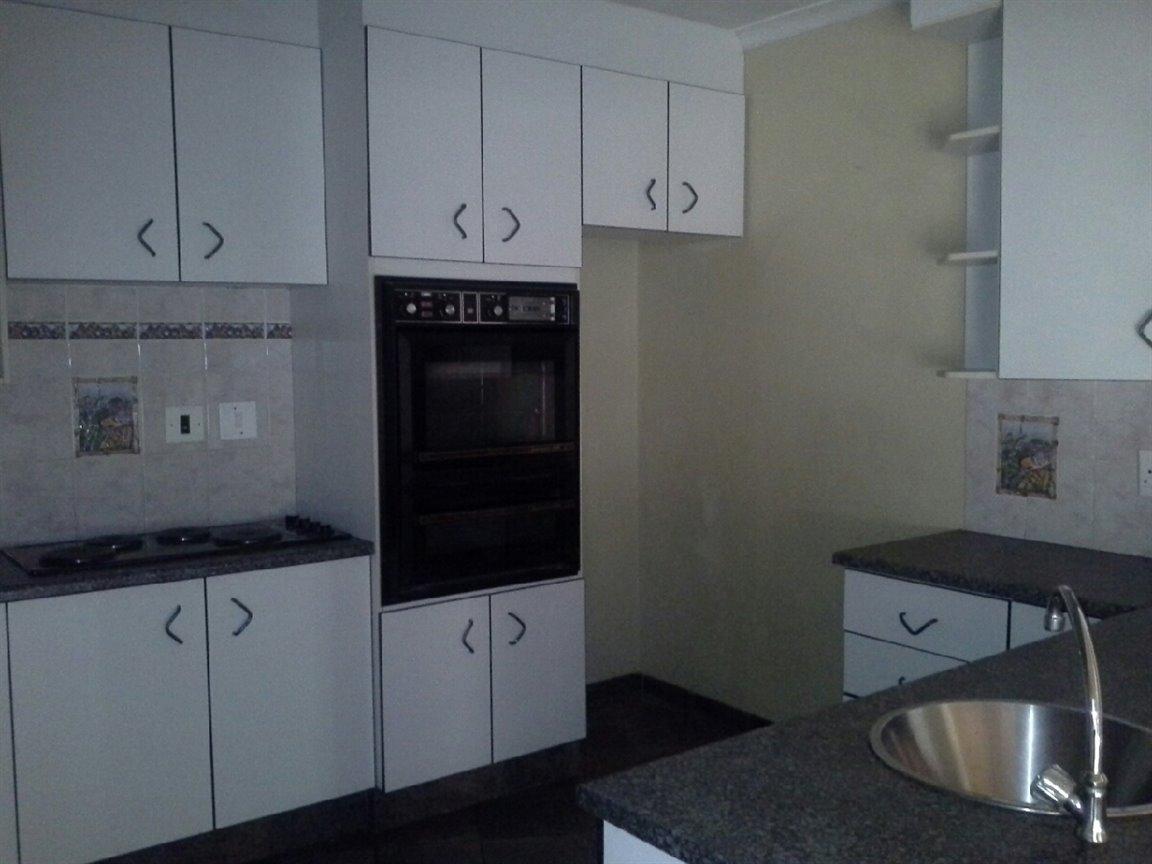 Arcon Park property for sale. Ref No: 12798056. Picture no 3