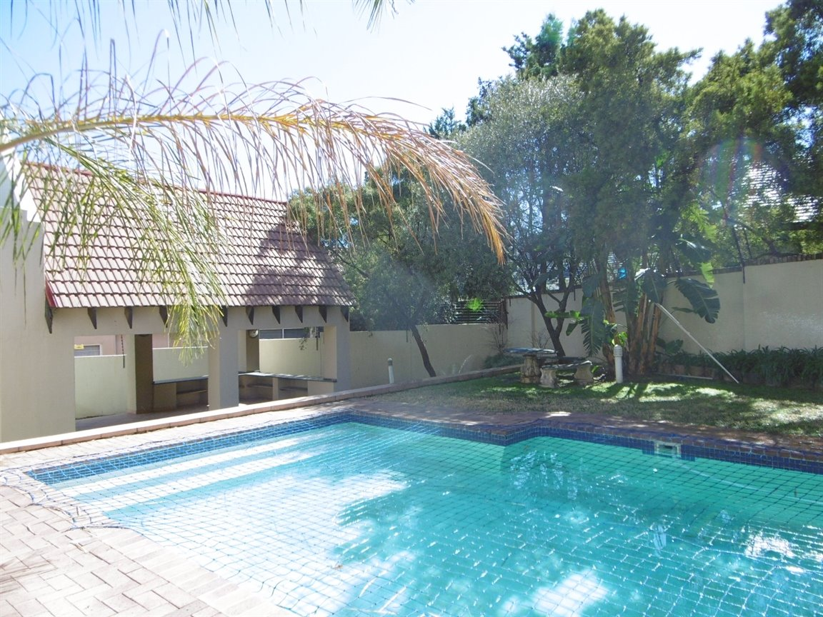 Bryanston property to rent. Ref No: 13372101. Picture no 3