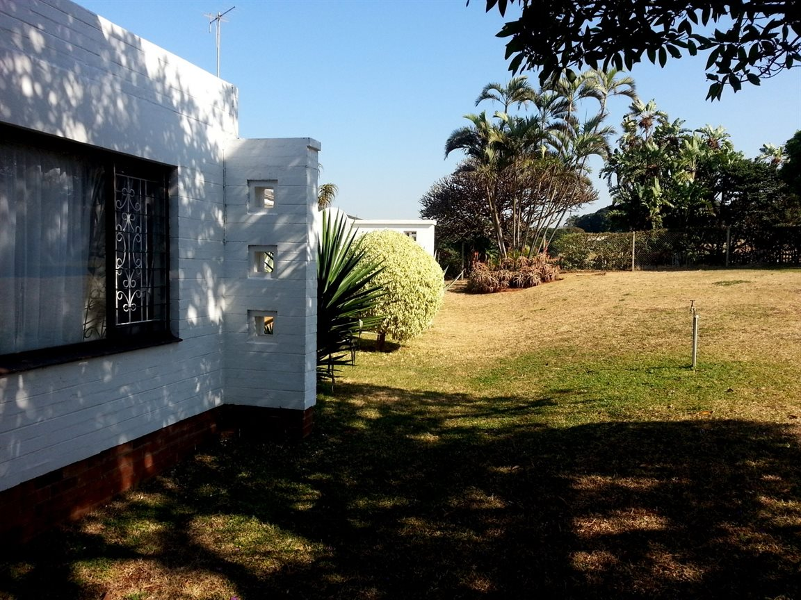Umkomaas property for sale. Ref No: 12798074. Picture no 19