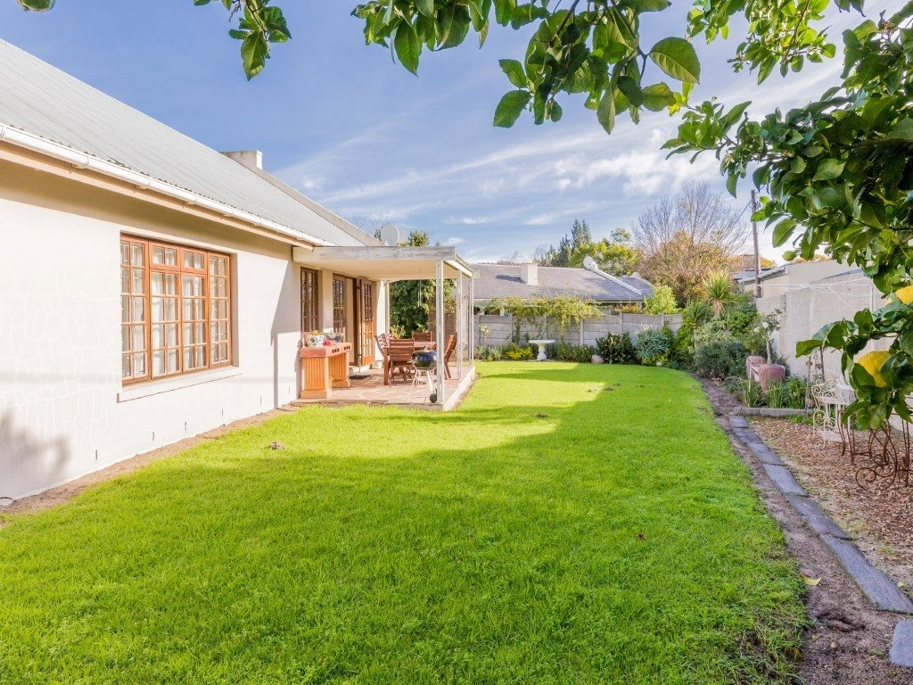 Franschhoek property for sale. Ref No: 13353946. Picture no 18