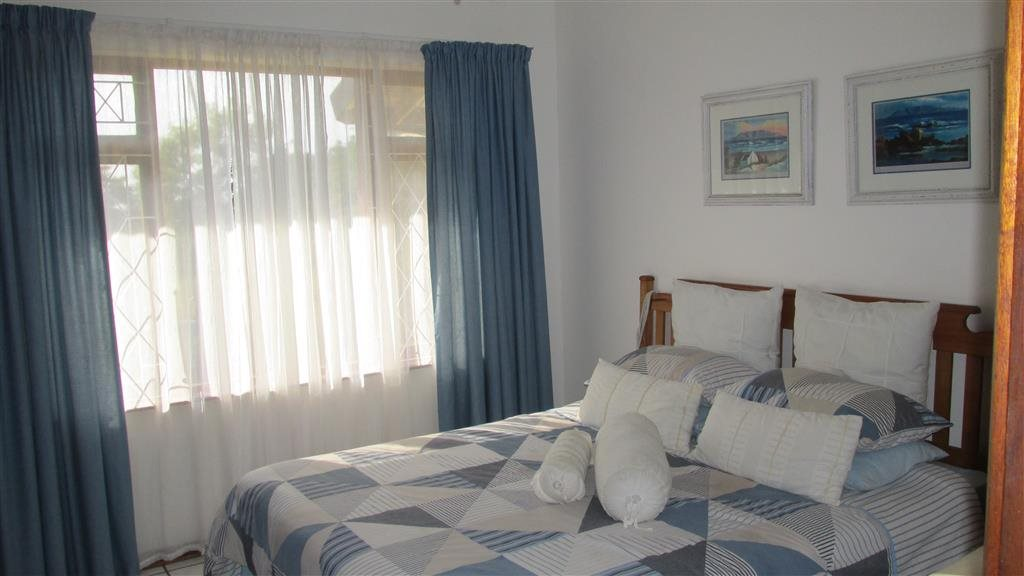 Shelly Beach property for sale. Ref No: 13361053. Picture no 17
