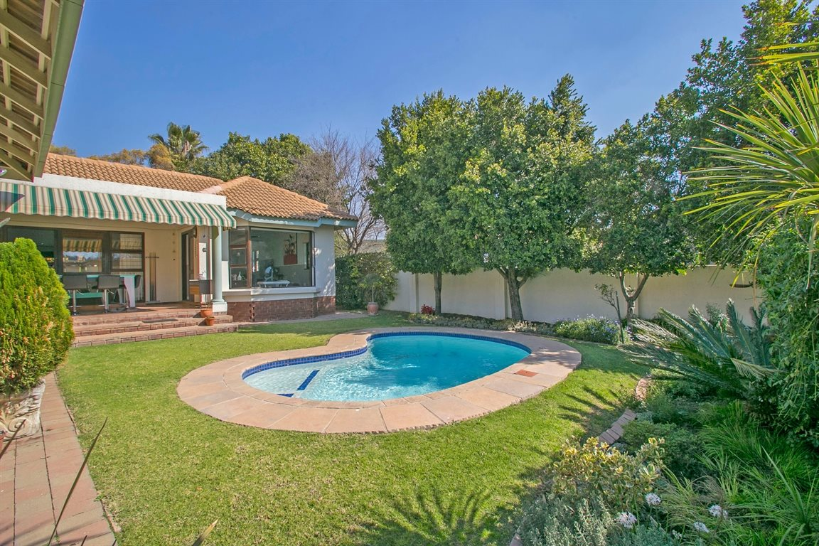 Fourways property for sale. Ref No: 13378870. Picture no 23