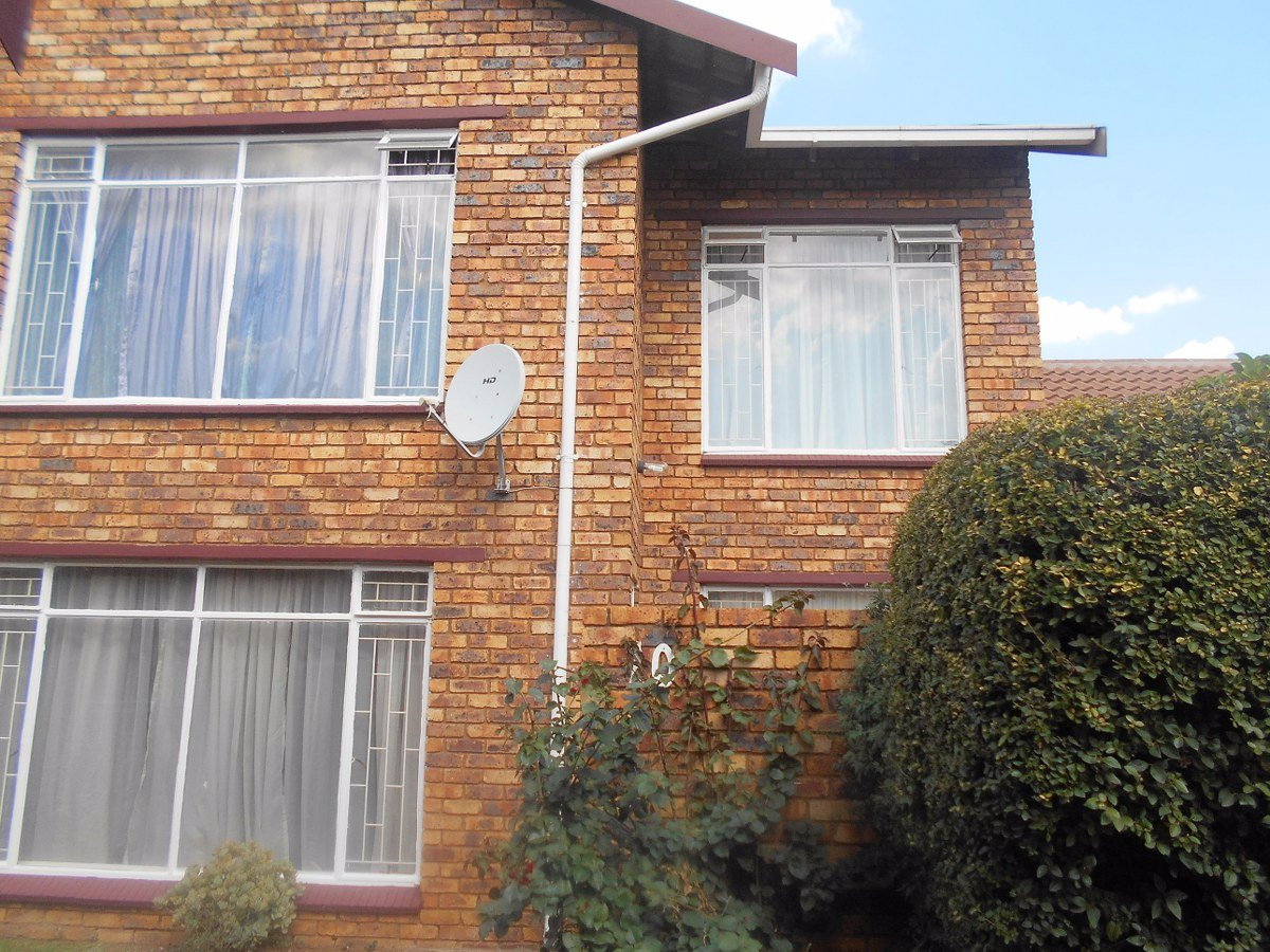 Mayfield Park property for sale. Ref No: 13489583. Picture no 4