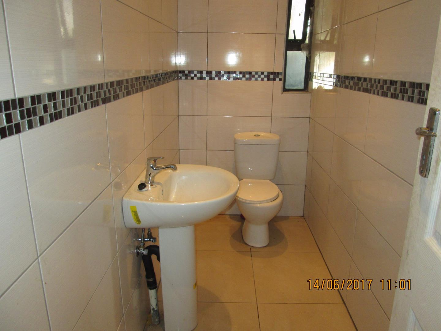 Mondeor property for sale. Ref No: 13526240. Picture no 3