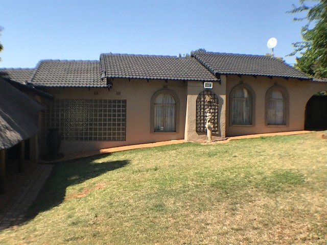 Johannesburg, Glenvista Property  | Houses For Sale Glenvista - Page 3, Glenvista, House 3 bedrooms property for sale Price:1,595,000