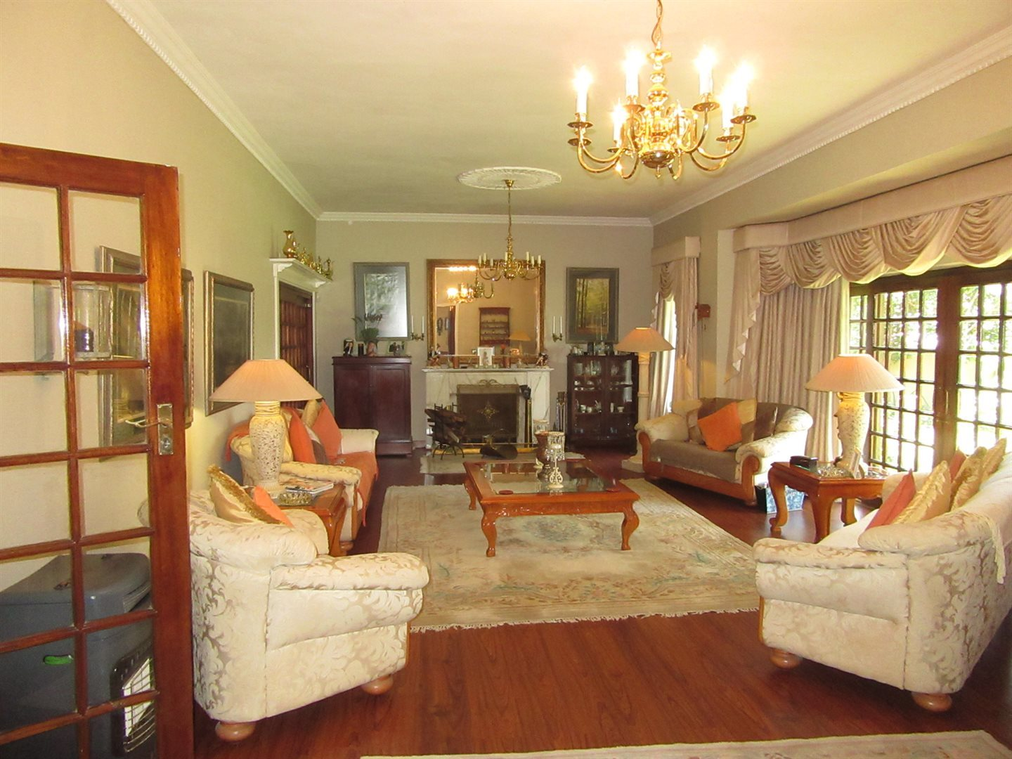 Bryanston property to rent. Ref No: 13553051. Picture no 3
