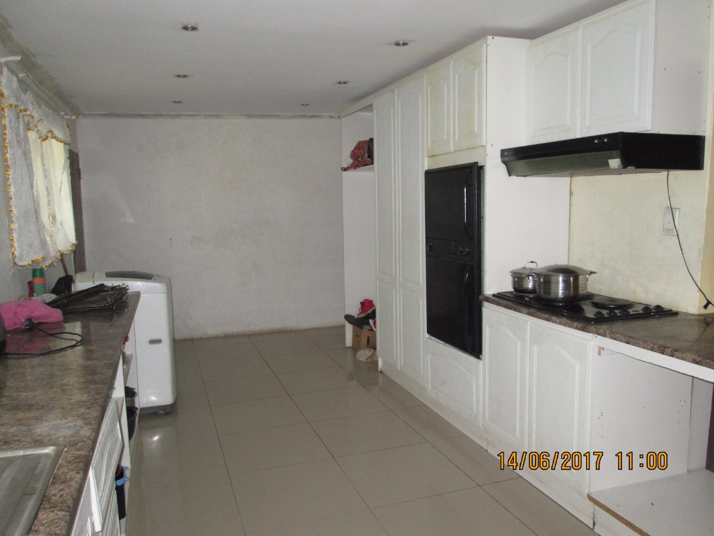 Mondeor property for sale. Ref No: 13526240. Picture no 19