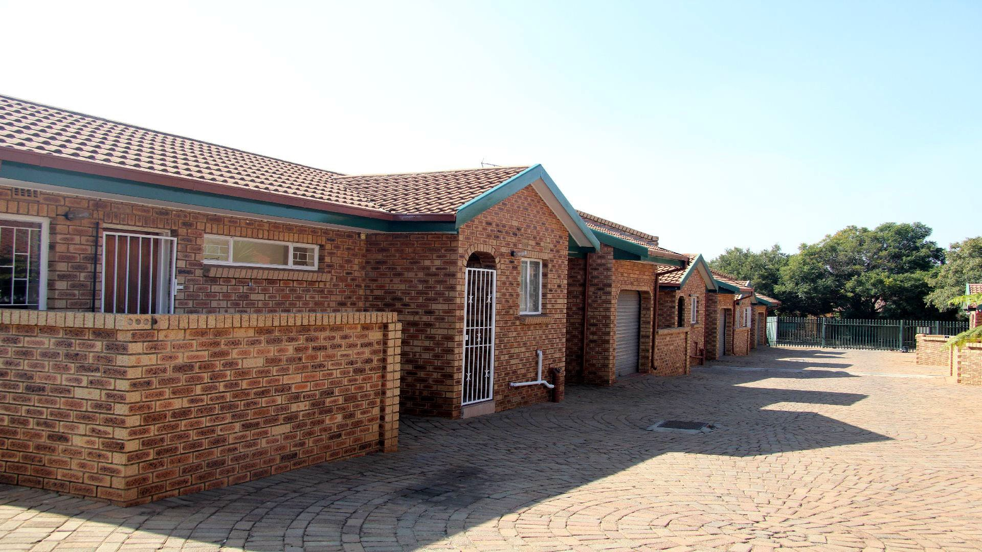 Randfontein, Randpoort Property  | Houses For Sale Randpoort, Randpoort, Apartment 2 bedrooms property for sale Price:615,000