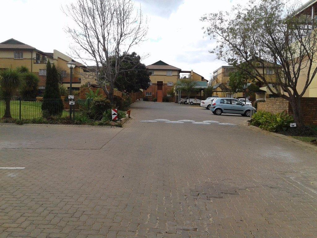 Elarduspark property for sale. Ref No: 13549856. Picture no 7