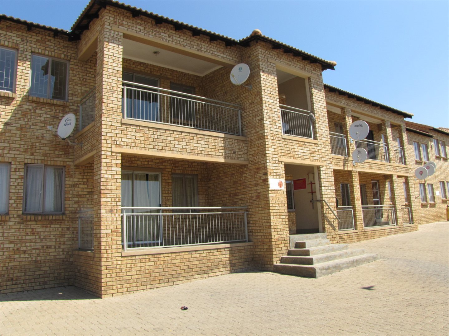 Property and Houses for sale in Erasmus, Apartment, 2 Bedrooms - ZAR 465,000