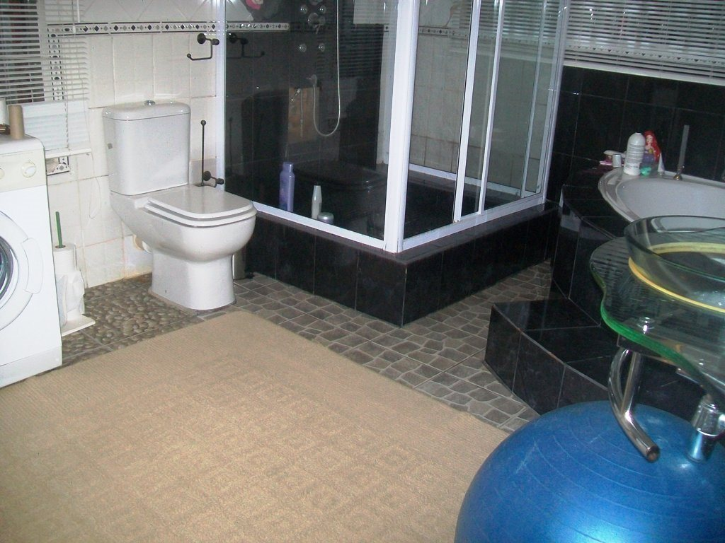 Ramsgate property for sale. Ref No: 12768152. Picture no 13