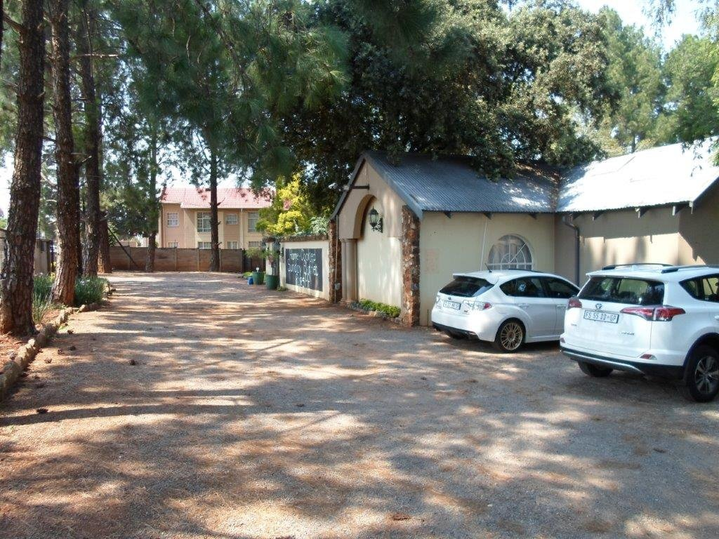 Die Hoewes property for sale. Ref No: 13479059. Picture no 10