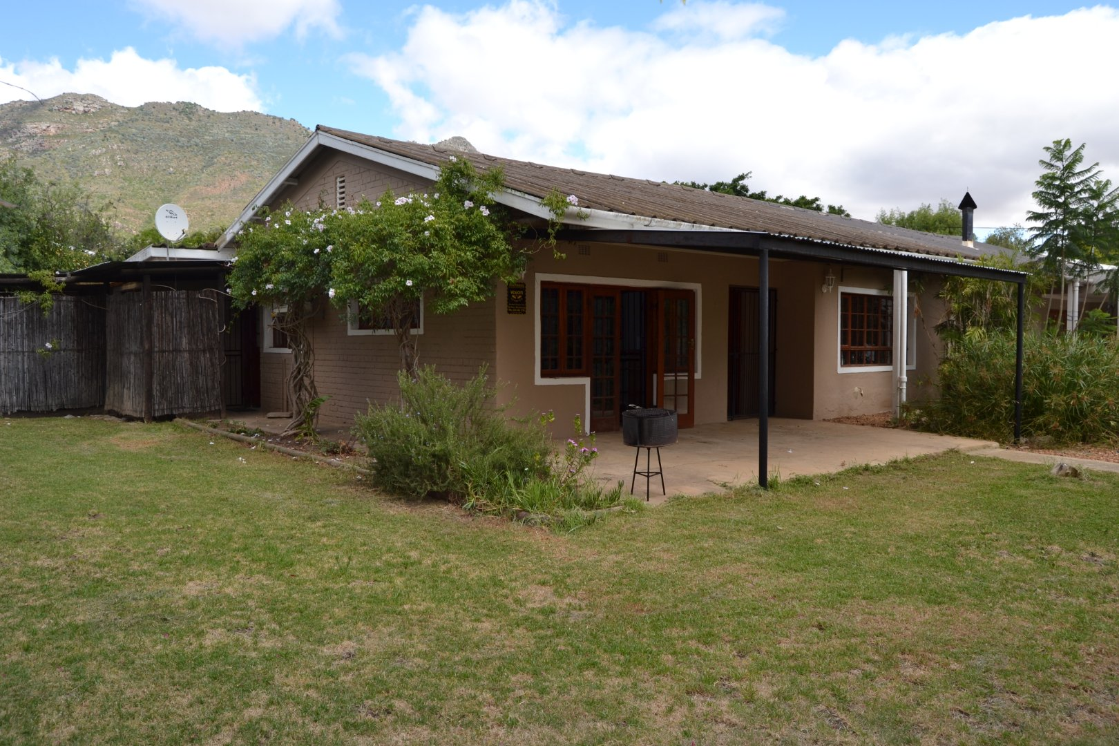 Property and Houses for sale in Riebeek Kasteel, House, 3 Bedrooms - ZAR 1,550,000