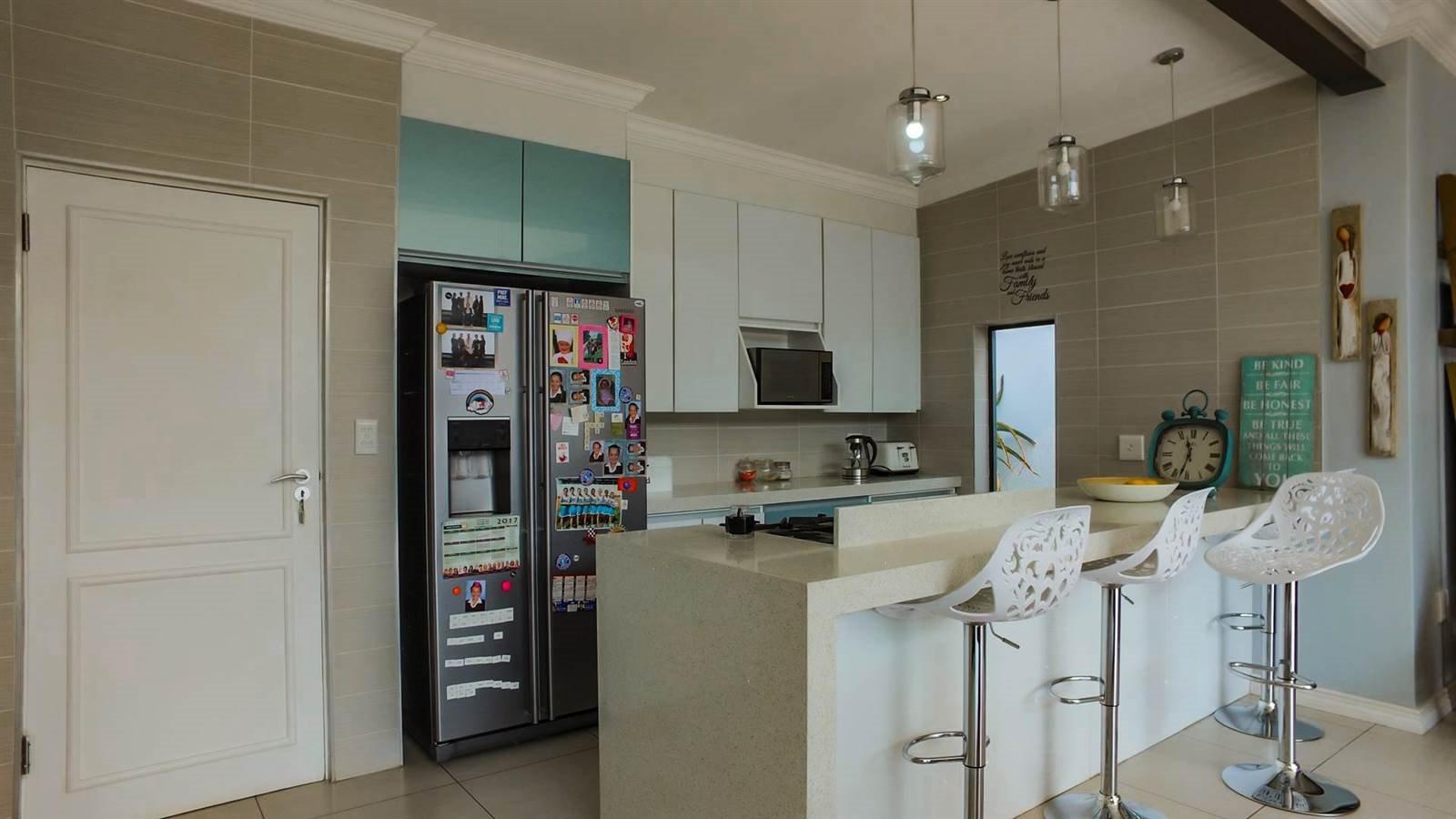Midstream Hill Estate property for sale. Ref No: 13326880. Picture no 8