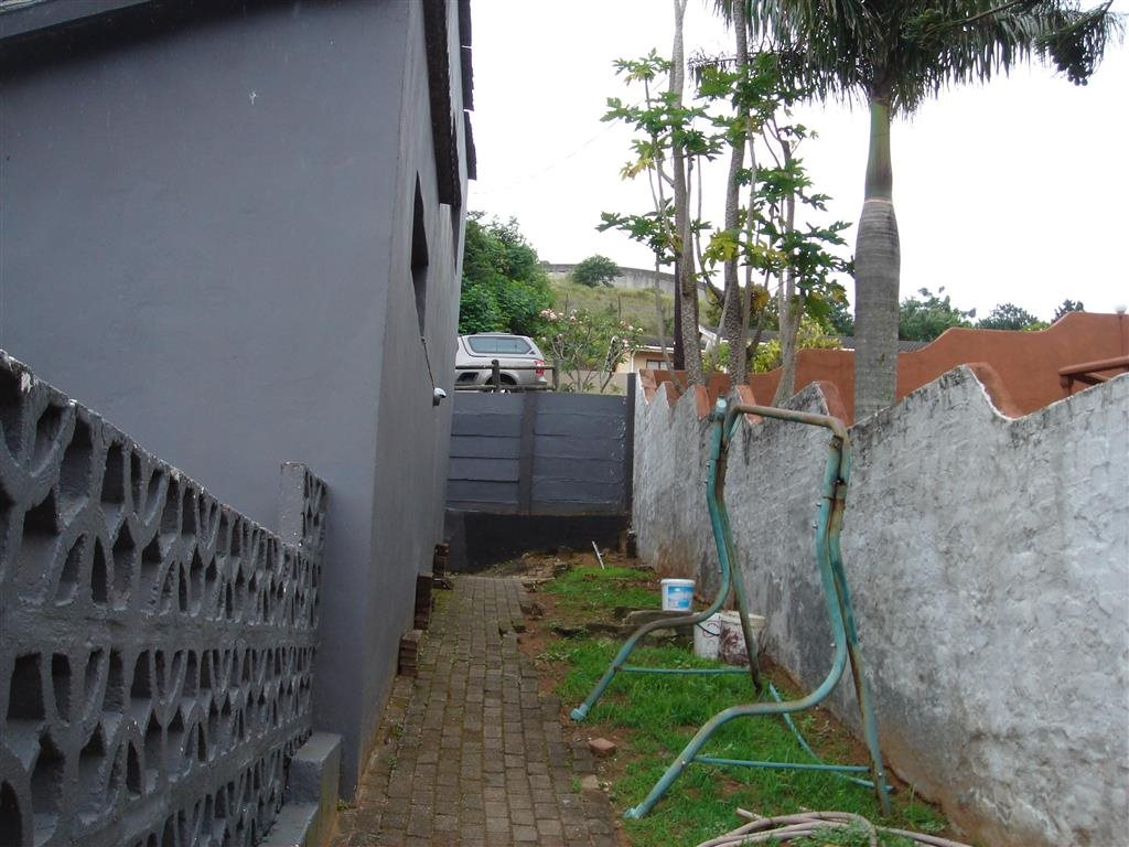 Uvongo property for sale. Ref No: 12774176. Picture no 18