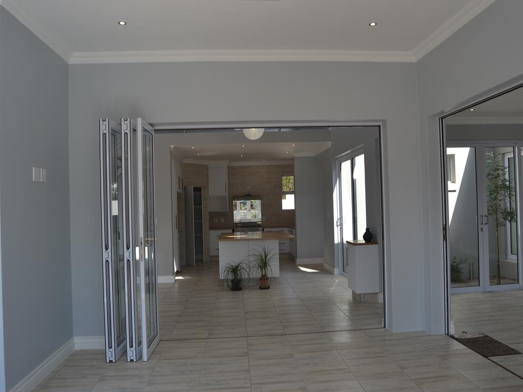 Midlands Estate property for sale. Ref No: 13336218. Picture no 6