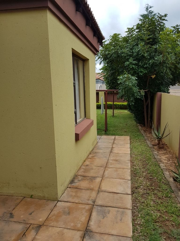 Ninapark property for sale. Ref No: 13609735. Picture no 7