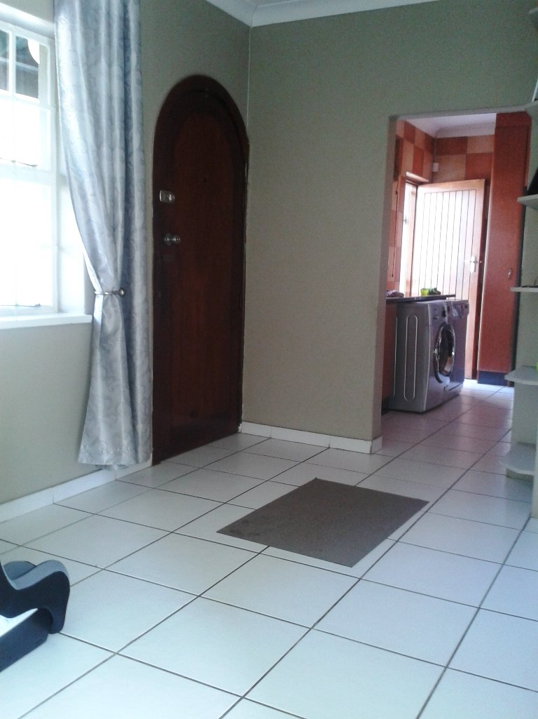 Verwoerdpark property for sale. Ref No: 13617375. Picture no 10