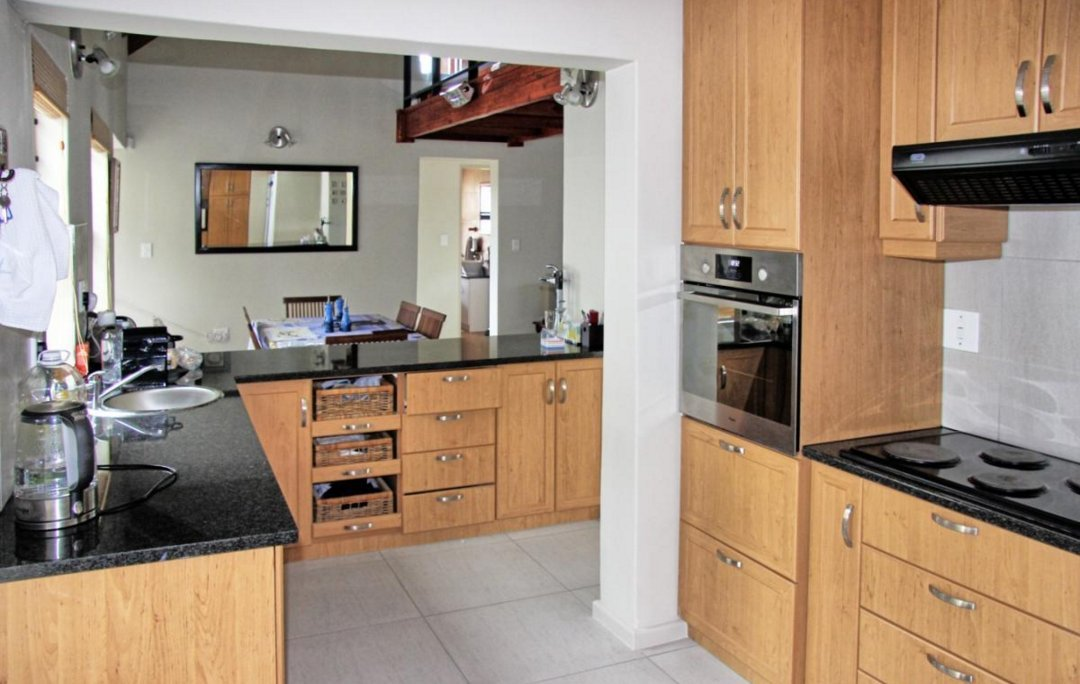 Shelley Point property for sale. Ref No: 13523608. Picture no 9