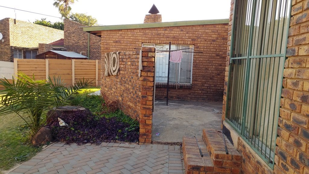 Suiderberg property for sale. Ref No: 13573102. Picture no 5
