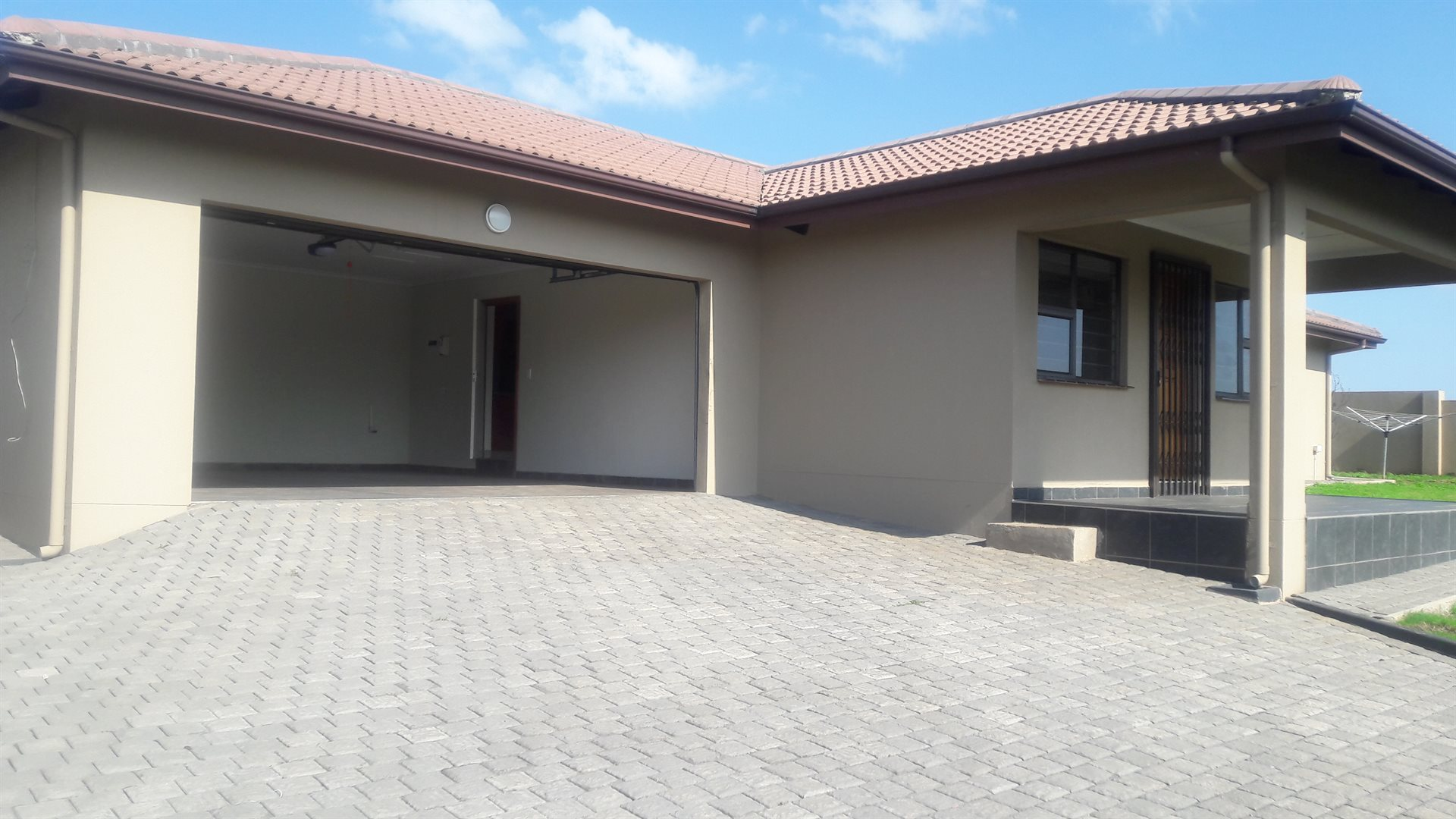 Inyala Park property for sale. Ref No: 13538726. Picture no 16