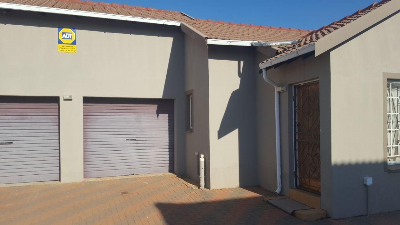 Akasia, Karenpark Property  | Houses For Sale Karenpark, Karenpark, House 3 bedrooms property for sale Price:850,000