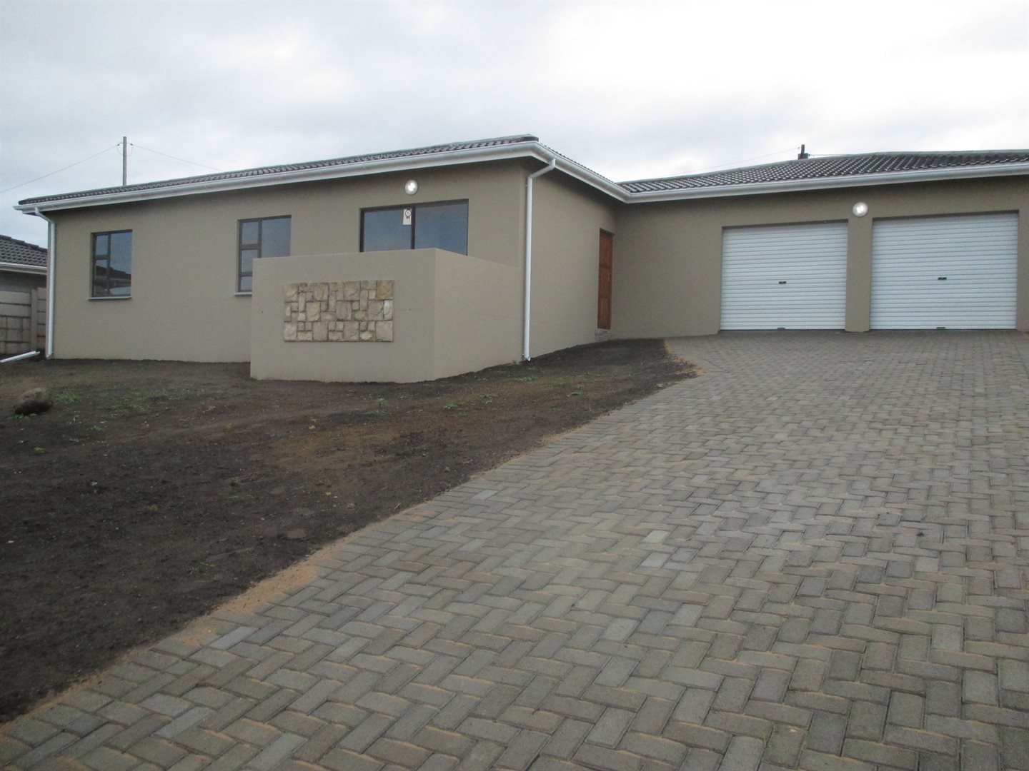 Property for Sale by DLC INC. ATTORNEYS Marlene Hadfield, House, 3 Bedrooms - ZAR 1,410,000